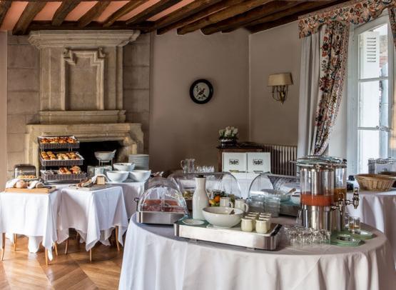 Domaine-des-hauts-de-Loire-Buffet-Petit-déjeuner-Onzain©Domaine-des-Hauts-de-Loire