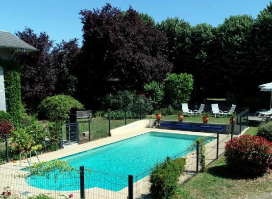 hotel-tonnellerie-piscine-jardin-tavers-loiret-chateaux
