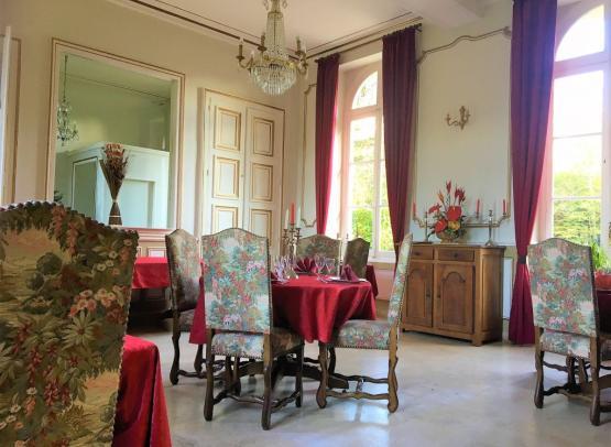salle-restaurant-rouge-2