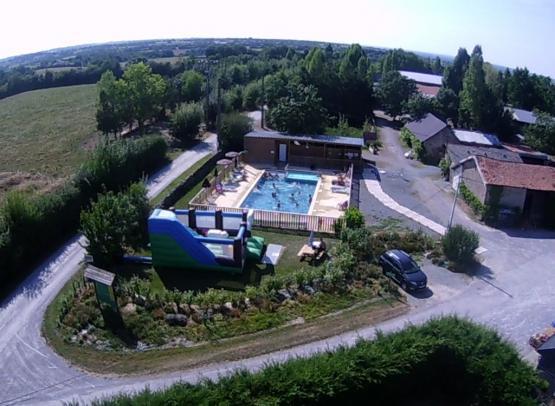 piscine-camping-ferme-guyonniere-pommeraye3