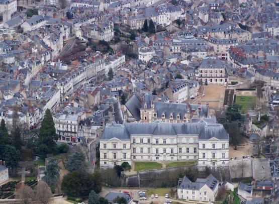 chateau-blois-maison-de-la-magie-tourisme