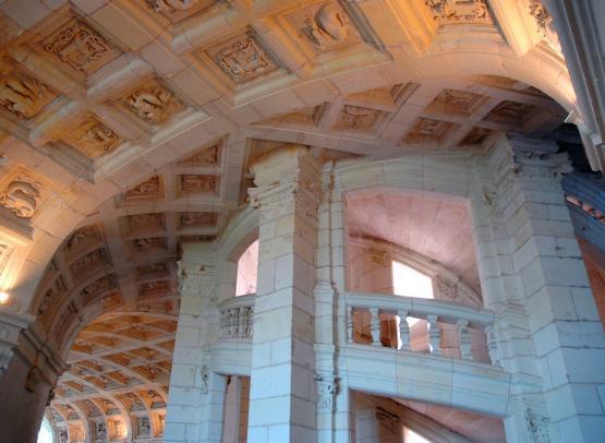 Escalier doubles révolutions Chambord ©Léonard de Serres