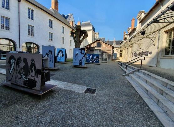 Cour-interieure-CERCIL--Orleans-Val-de-Loire-Tourisme--3--min