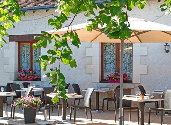 Restaurant-Les-Closeaux-Terrasse