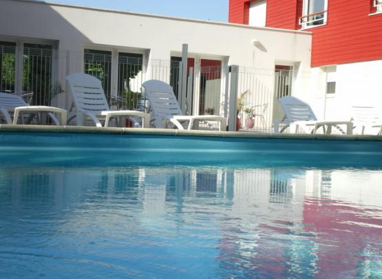 RETOUPDL044214867 - piscine