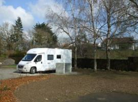 aire-camping-car-geste
