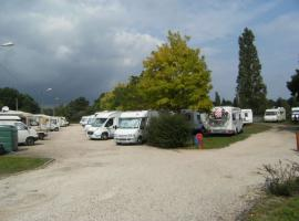 AIRE DE STATIONNEMENT ET DE SERVICES POUR CAMPING-CARS - LA FERTE-BEAUHARNAIS
