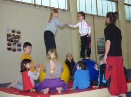 stage-de-cirque-6-11-ans-a-la-Pommeraye-janvier-2018