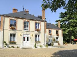 VIlla-des-Bordes-facade-reduit-2