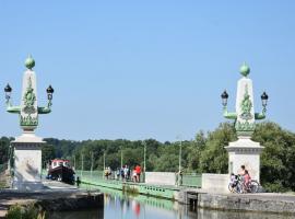 Briare - Pont canal Loire à vélo - 23 juillet 2018-  OT Terres de Loire et Canaux - IRémy (1)