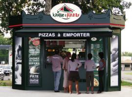 le kiosque à pizzas exterieur